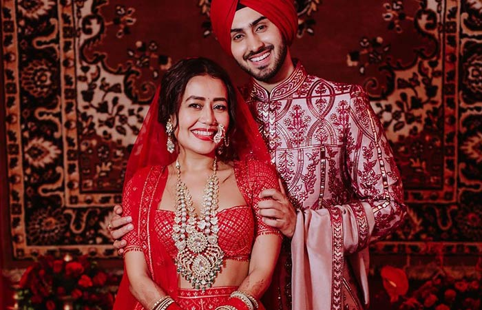 Baby Bump Spotted Neha Kakkar Shares Picture With Her Husband Rohanpreet Singh And Leaves Fans Brimming 2
