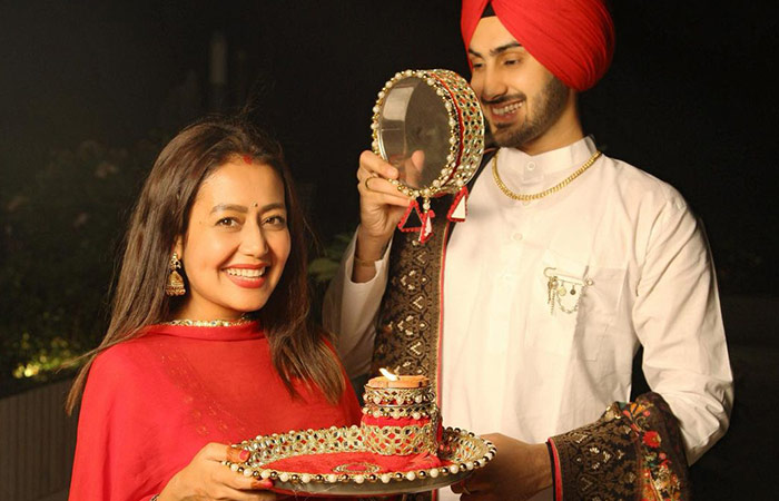 Baby Bump Spotted Neha Kakkar Shares Picture With Her Husband Rohanpreet Singh And Leaves Fans Brimming 3