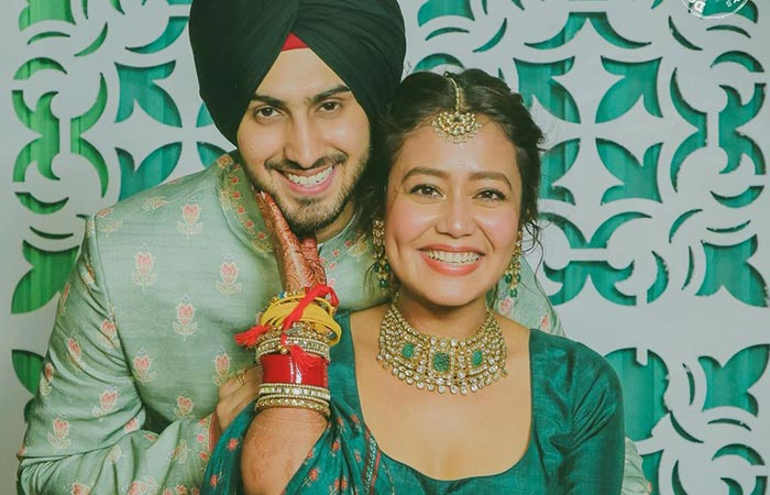 Baby Bump Spotted Neha Kakkar Shares Picture With Her Husband Rohanpreet Singh And Leaves Fans Brimming 4