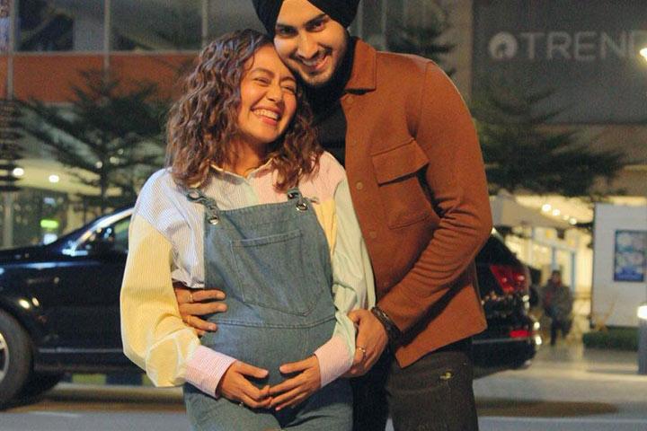Baby Bump Spotted Neha Kakkar Web
