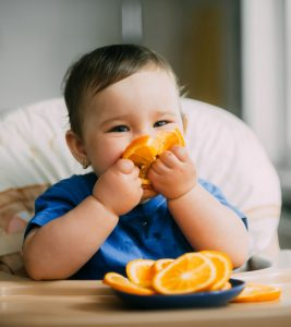 Baby Led Weaning (BLW) Benefits, How And When To Start It