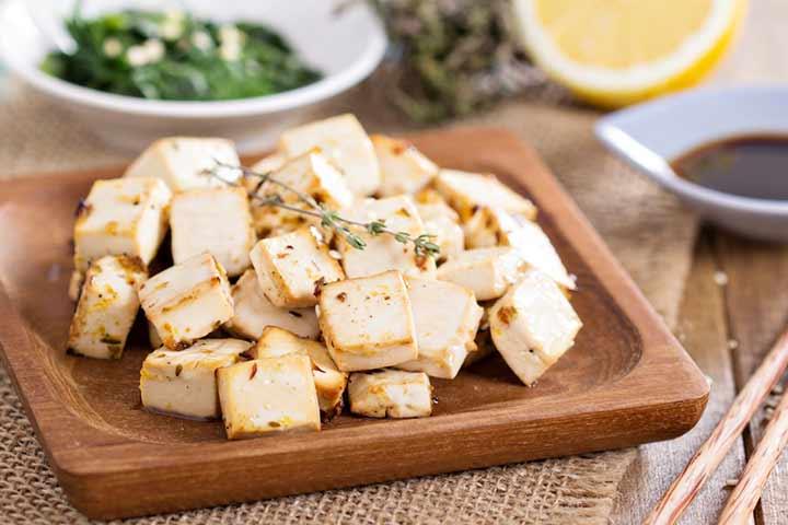 Baked tofu with guacamole