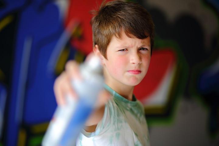 Easy DIY Spray Painting Ideas For Kids