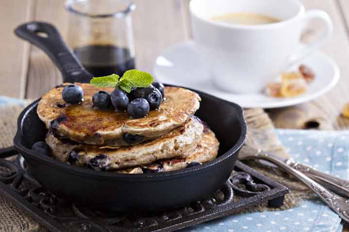 Finger millet and blueberry pancake