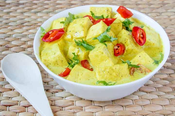 Yellow tofu curry