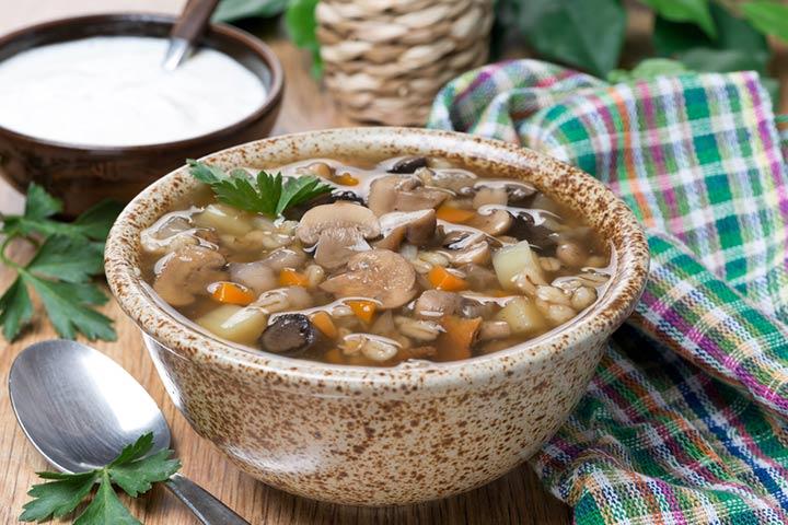 Crockpot mushroom and barley stew