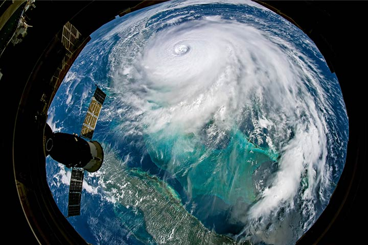 50 Interesting Facts About Hurricanes For Kids-1