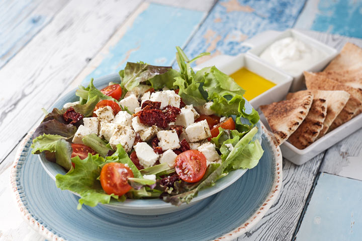 Greek salad with pita