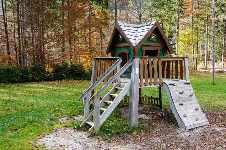 Play gym treehouse