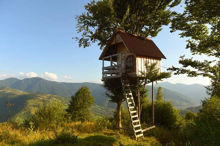 Semi-open treehouse