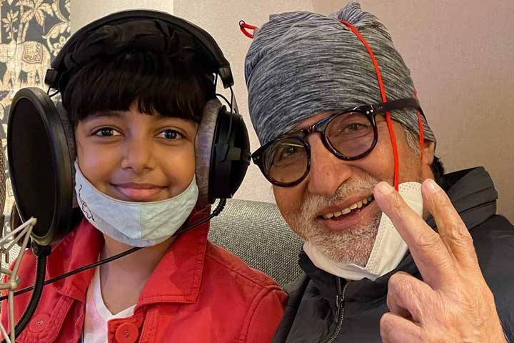 Somethings Cooking Amitabh Bachchan Shares Picture With Granddaughter Aaradhya-1
