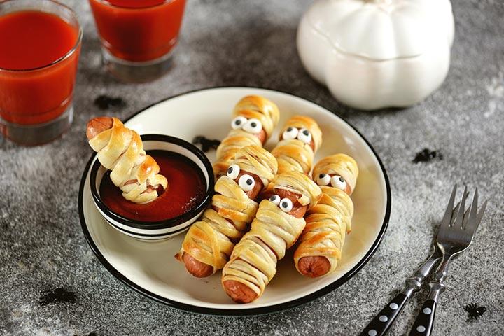 The mummy dogs