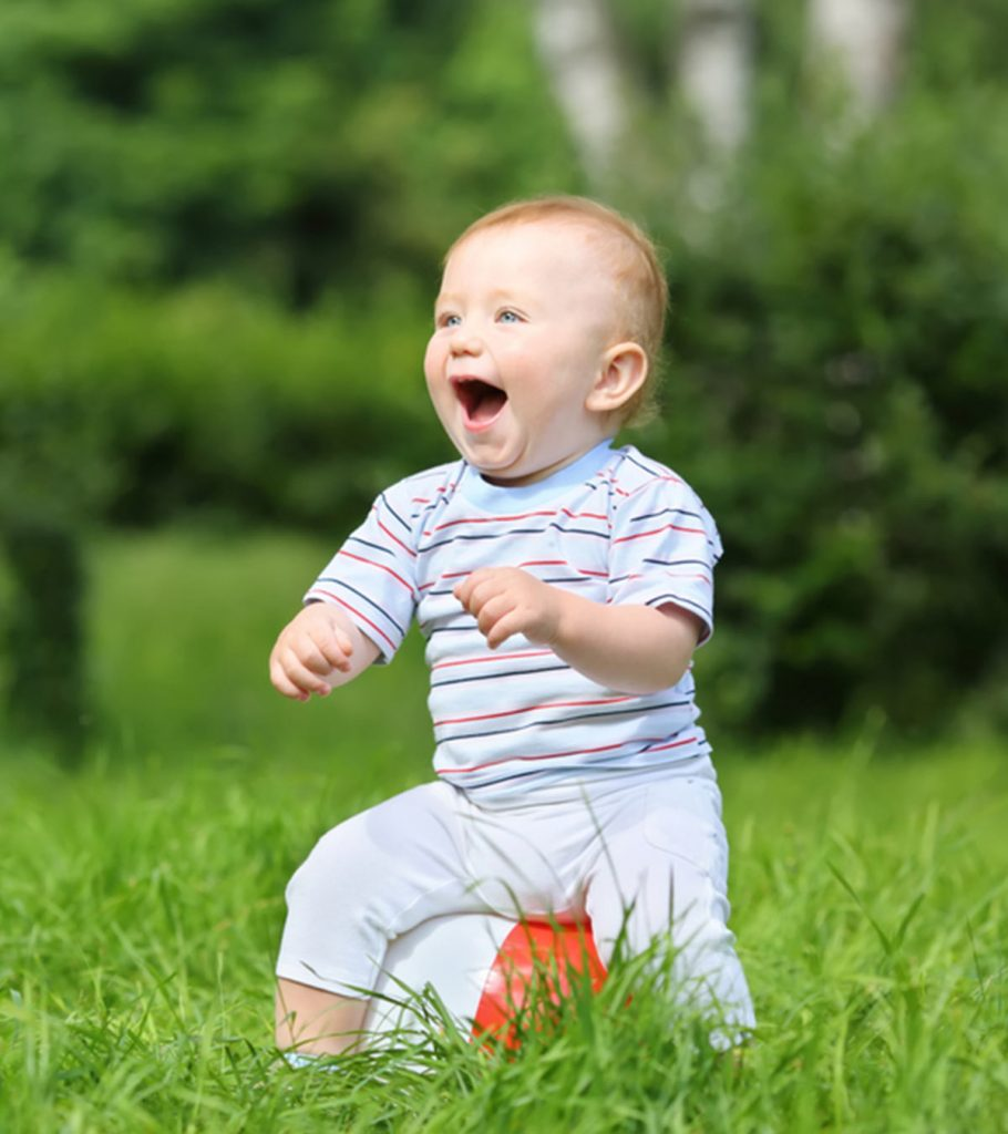 20 Fun And Simple Outdoor Activities For Babies1 910x1024