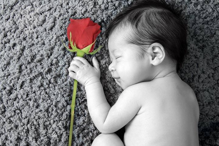 Cute Baby Shayari, Quotes And Status In Hindi