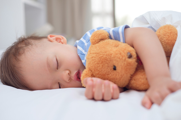 Lovies For Babies Safety How And When To Introduce Them