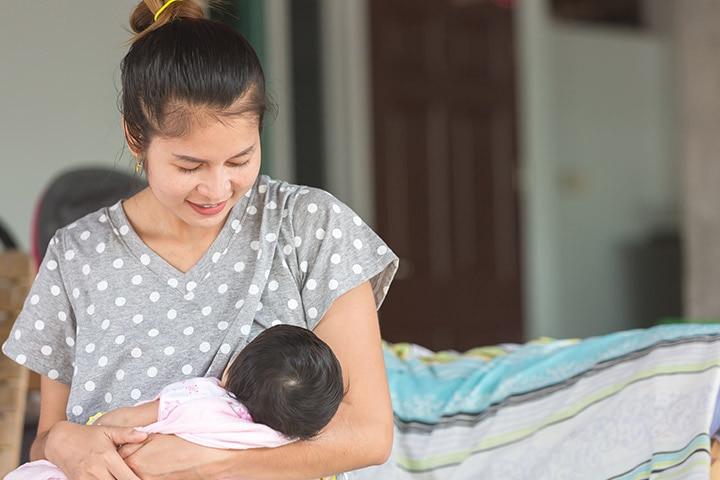 Baby Sweating During Breastfeeding In Hindi