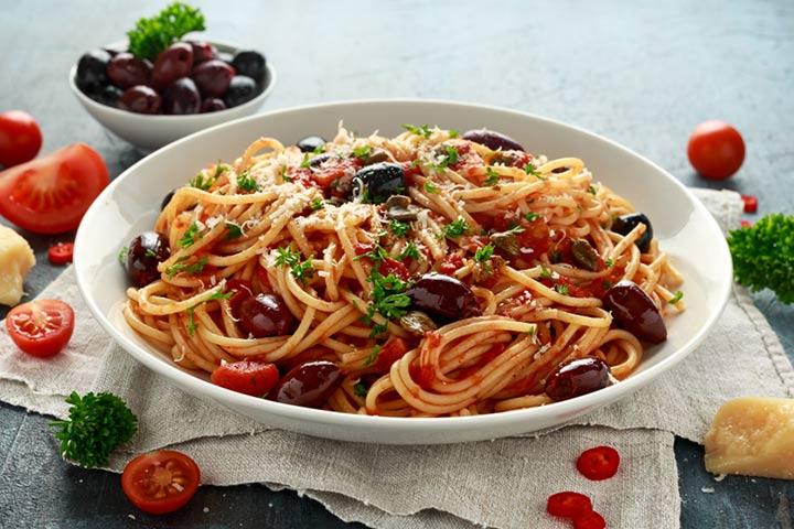 Fish and olive spaghetti