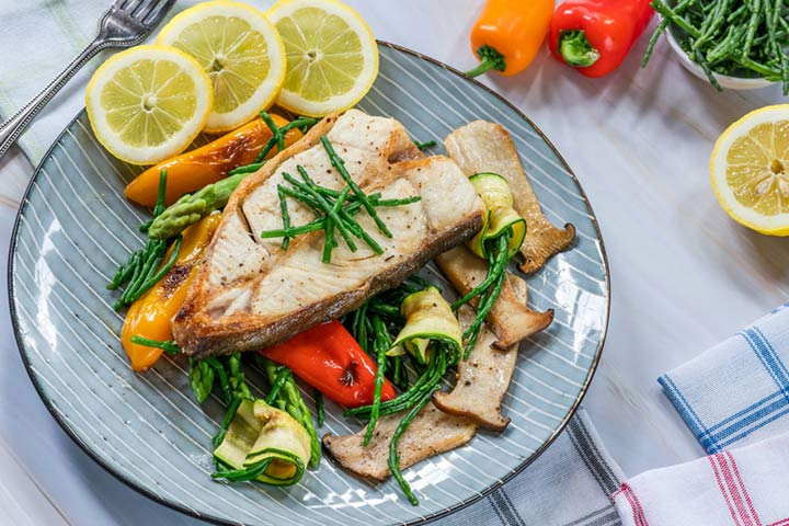 Halibut steaks with salsa