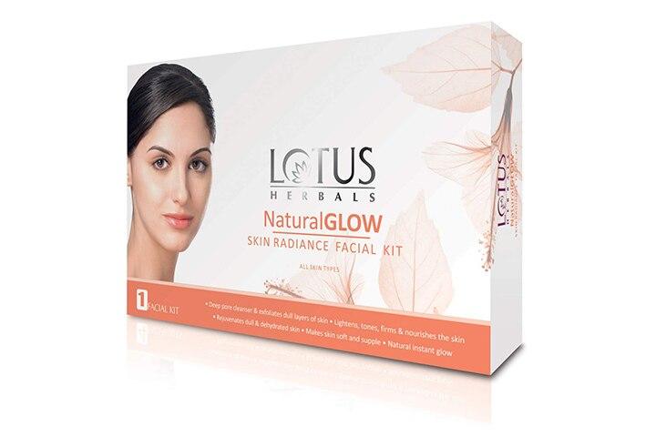 Lotus Herbals Natural Glow Facial Kit