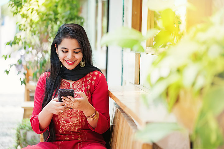 Quotes, Status And Shayari For Beautiful/Pretty Girl In Hindi