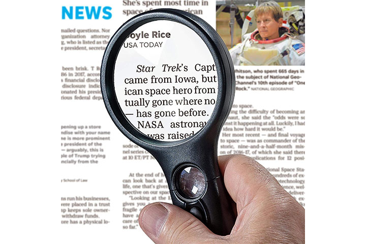 See Zoom Lighted Magnifying Glass