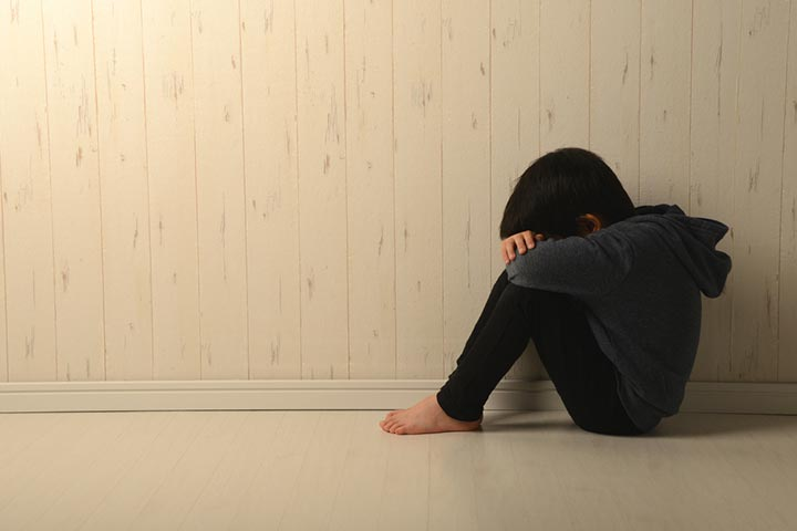 Toddler Social Anxiety Causes, Signs And Tips To Deal With It-1