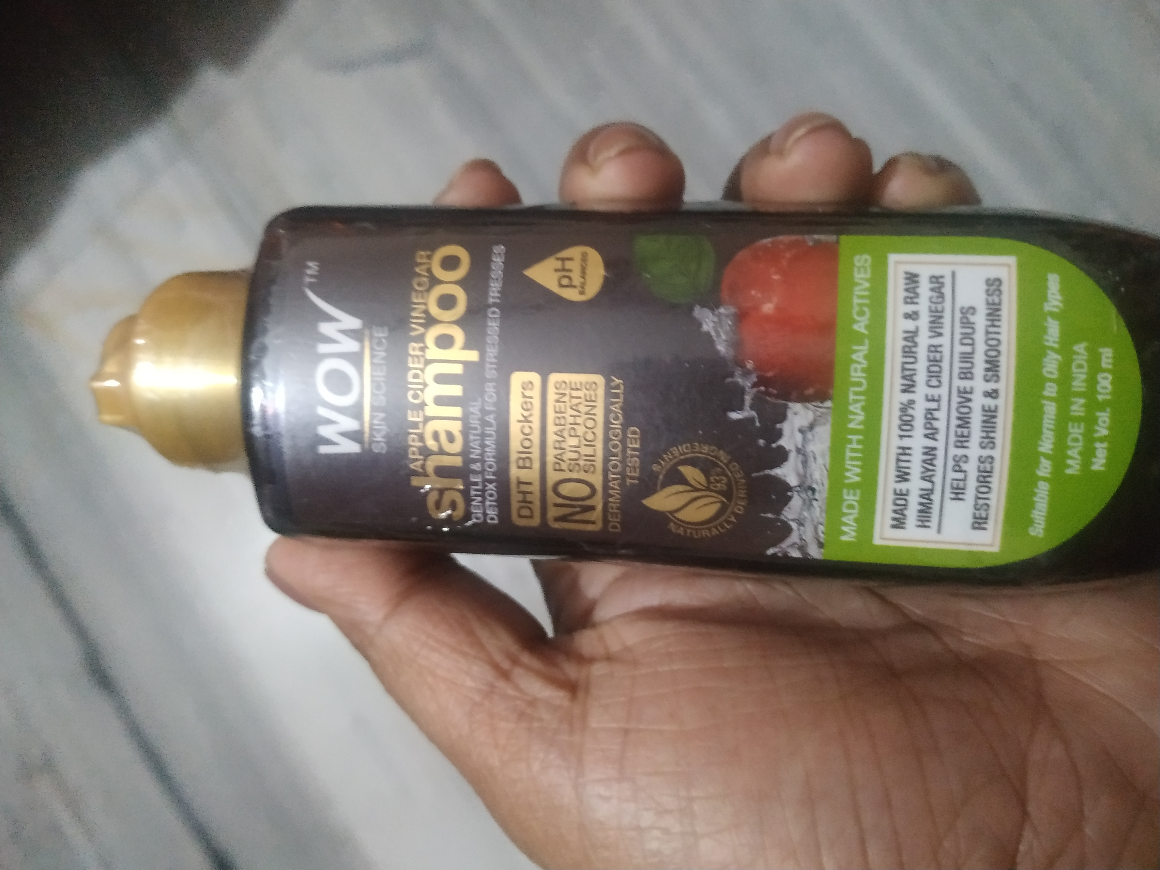 WOW Skin Science Apple Cider Vinegar Shampoo - No Parabens & Sulphate - 300 ml-Product Review-By dreamy_hub