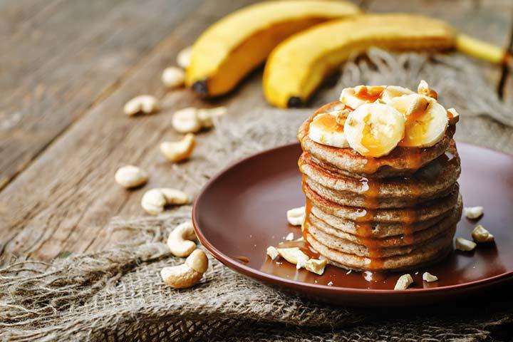 Banana and cashew pancakes