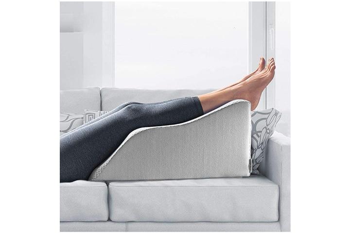 Lounge Doctor Elevating Leg Pillow