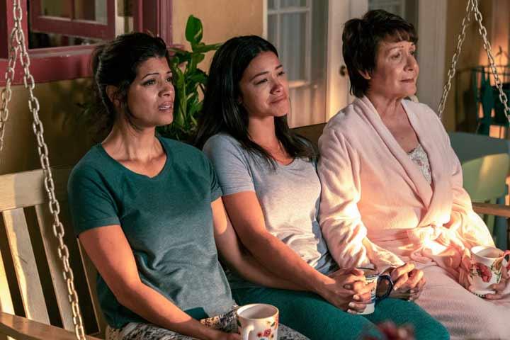 Mother's Day Binge 8 TV Shows Perfect For Any Mother-Daughter Duo