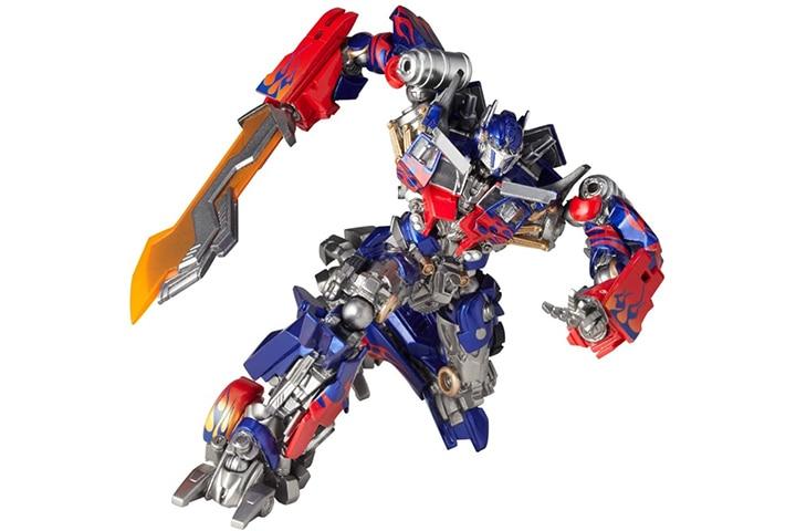 Revoltech Transformers Optimus Prime Toy