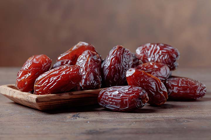 Benefits Of Dates For Babies In Hindi