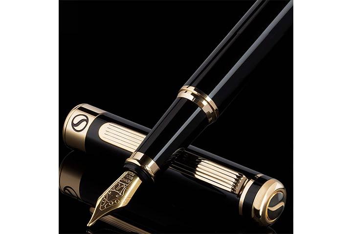 Scriveiner-Black-Lacquer-Fountain-Pen