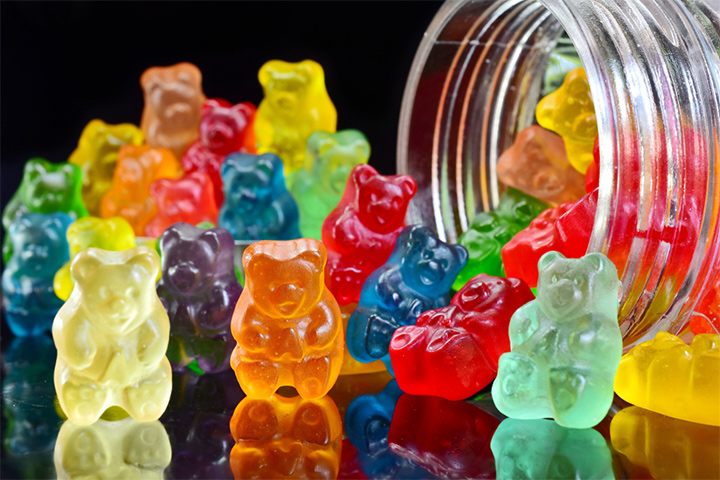 Sorting colors with gummy bears