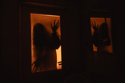भूत की कहानी : भूत को बनाया बंदी | Bhoot Ko Banaya Bandi Story In Hindi