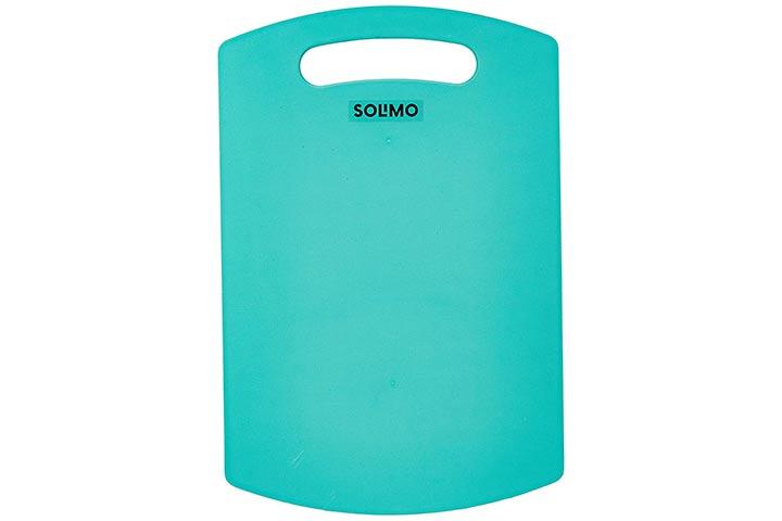 Amazon Solimo Plastic Cutting Board
