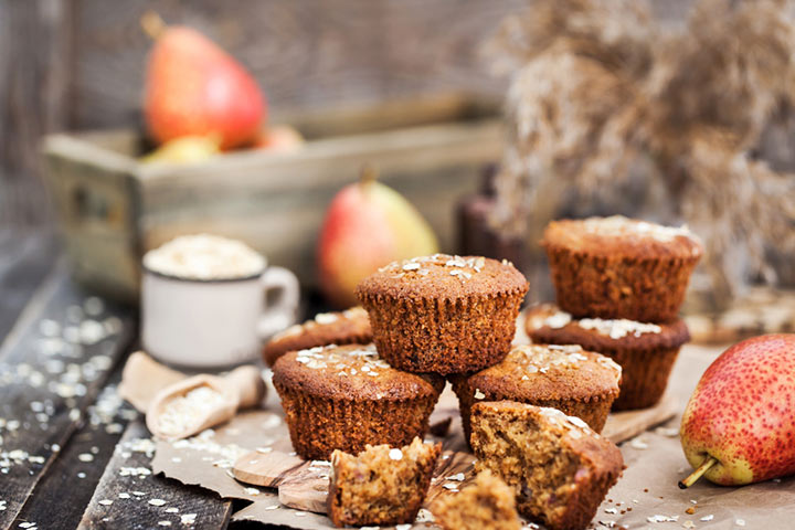 Applesauce and oats muffin