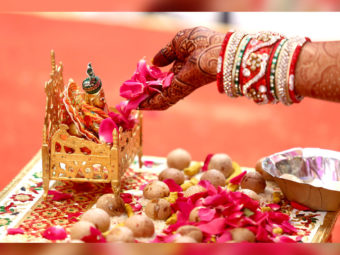 100+ श्री कृष्ण जन्माष्टमी की हार्दिक शुभकामनाएं, कोट्स, शायरी व स्टेटस   Best Janmashtami Wishes In Hindi