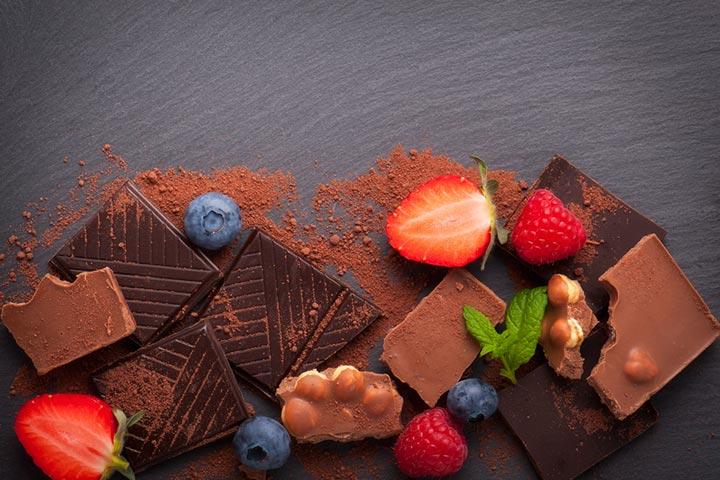Dark chocolate and berries
