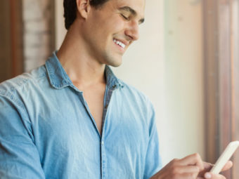 How To Tell If A Girl Likes You, Over Text