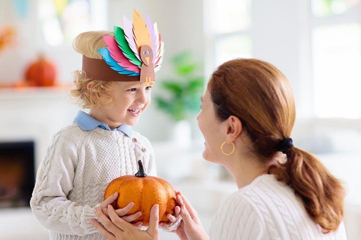 Paper plate turkey hats