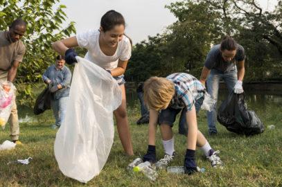 28 Unique Volunteer Opportunities For Kids To Look For