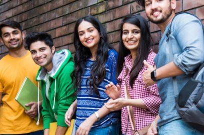 100 + छात्रों के लिए फनी एग्जाम शायरी, स्टेटस, कोट्स व चुटकुले | Funny Exam Shayari, Quotes, Status And Jokes In Hindi