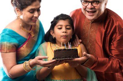 100+ पोती के लिए जन्मदिन की शुभकामनाएं, बधाई व कविता | Birthday Wishes for Granddaughter in Hindi