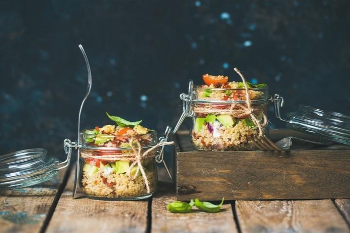 homemade-jar-quinoa-salad-cherry-sundried-540496987