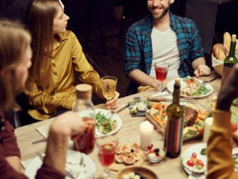 21 Fun Family Dinner Games To Play