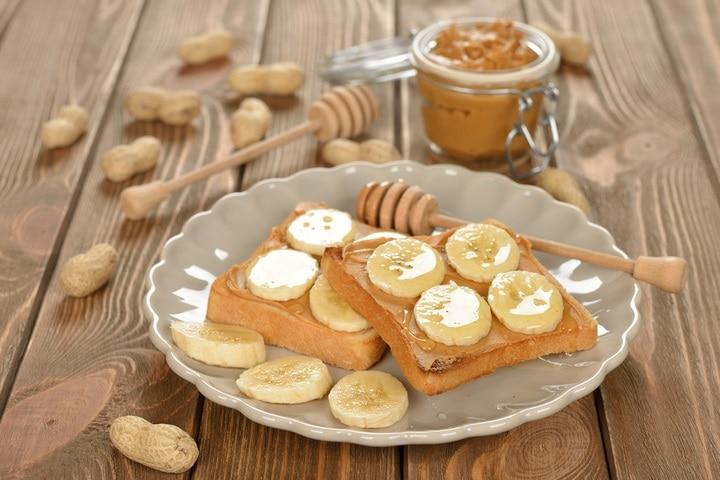 toast-peanut-butter-banana-on-brown-256980457
