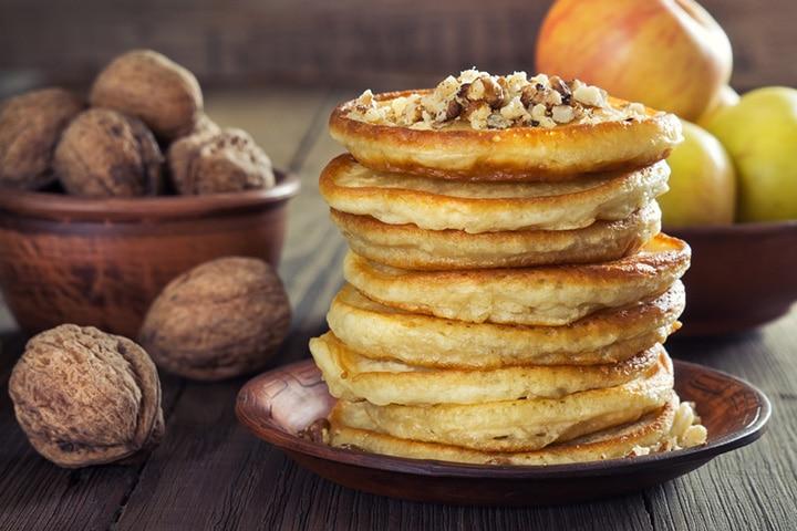 Apple and walnut pancake