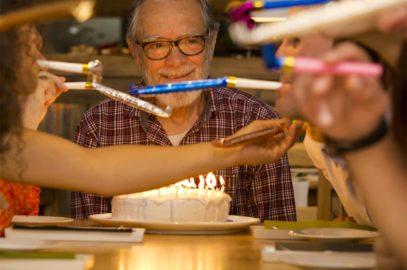 100+ दादा जी के जन्मदिन पर बधाई संदेश, शायरी, कोट्स व कविता | Best Happy Birthday Wishes For Grandfather In Hindi