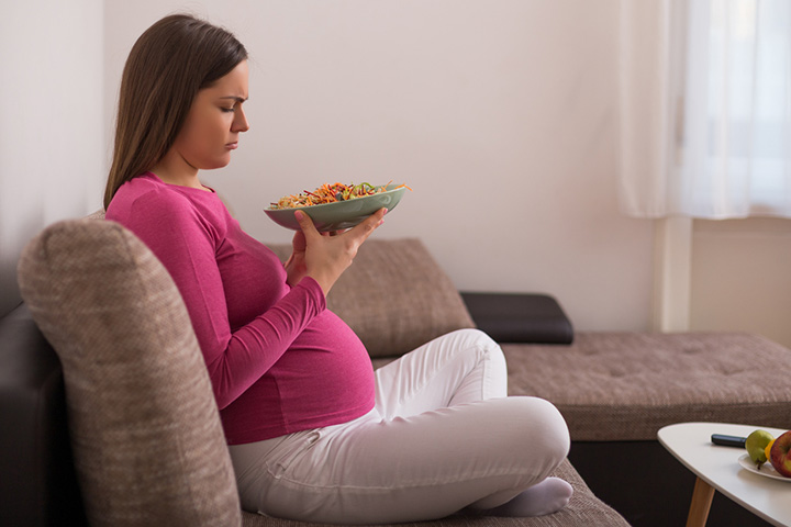 Women Experience Strange Food Cravings During Pregnancy